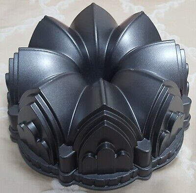 """Collectible """"Cathedral Bundt 10 Cup Pan"""" ~ Nordic Ware ~ Heavy Cast Aluminium"""