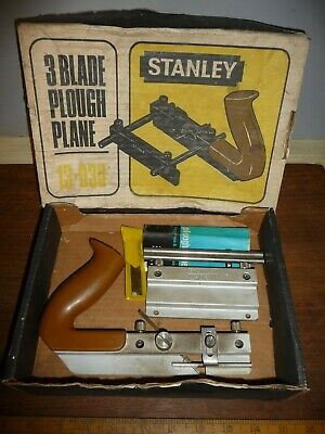 Stanley 3 Blade Plough Plane .Boxed with 3 cutters. .Stanley 13-030 Plane