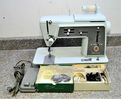 VINTAGE SINGER 600 SEW SEWING MACHINE WITH FOOT PEDAL RUNS NICE. Fast Shipping!