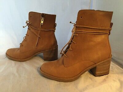 8d6bfc0537a NIB UGG AUSTRALIA Oriana Honey Size 7 Lace Up Leather Ankle Boots ...