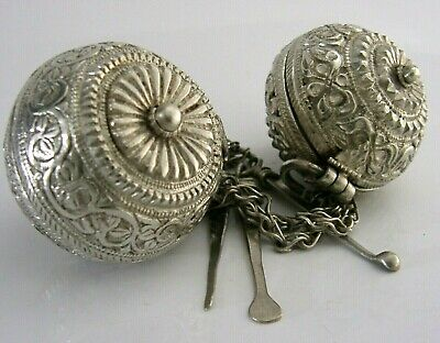 CEYLON INDIAN SOLID SILVER BETEL NUT LIME BOXES AND SPOONS c1900 ANTIQUE