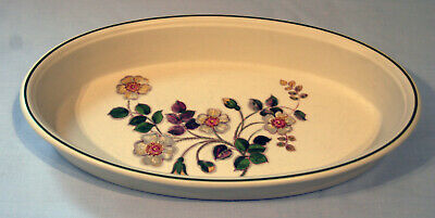 Marks & Spencer. St Michael. Autumn Leaves. Pie / Casserole / Oven Dish. 310mm