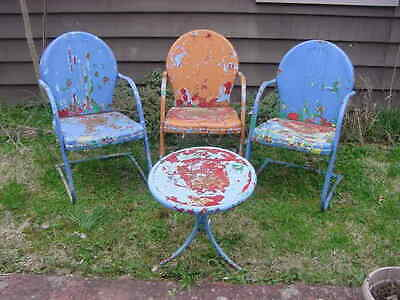 Vintage Funky Set Of 3 Metal Lawn Patio Chairs W/ Table Years Of Chippy Paint