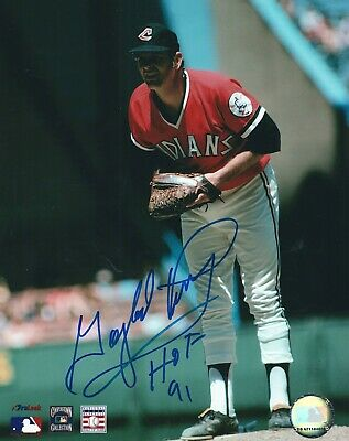 Signed  8x10 GAYLORD PERRY HOF 91 Cleveland Indians Autographed photo - COA