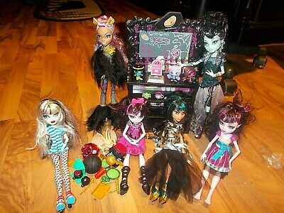 Monster High  Doll Lot with Furniture Shelf Gothic Accessories Gargoyle