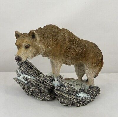 Living Stone © 1995 - Wolf Figurine - The Lookout II
