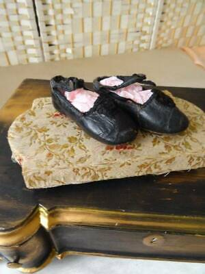 A Stunning Pair Of Antique Early Victorian Tiny Leather Child's Shoes C.1850