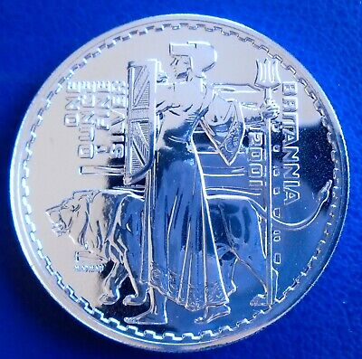 2001 Two Pound Britannia, 1 troy ounce of pure silver + capsule - top grade