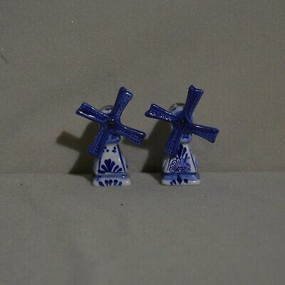 """Windmill Salt and Pepper Shaker Blue and White 2_1/8"""""""