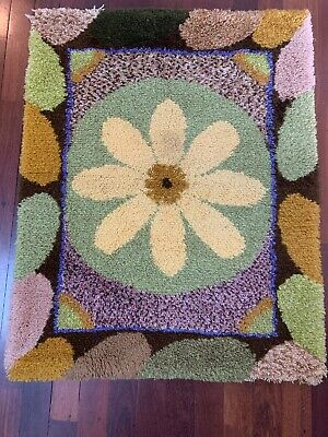 Handmade Thick Wool Wall Hanging Or Rug Retro Vintage Daisy One Of A Kind Shaggy