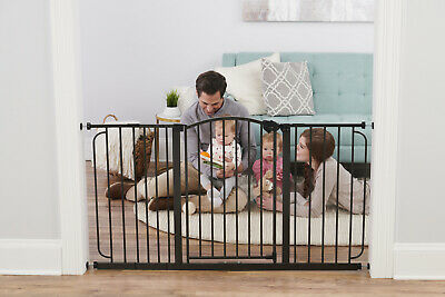 Regalo Extra Wide Arched Decor Baby Safety Gate