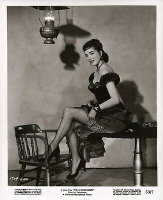 Julie Adams in fish-net stockings ~ ORIGINAL 1952 portrait... great legs!