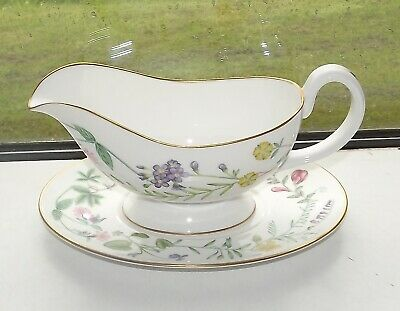 Royal Worcester Fine Bone china Arcadia Pattern Gravy Boat and Stand 1st Quality