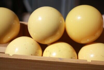 Antique, 9  Bakelite Que Balls, Billards  snooker  &  2 Others  Old Pool Hall