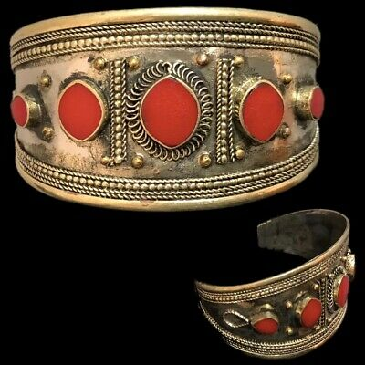Ancient Silver Decorative Gandhara Bedouin Torc With Red Stone 300 B.C. (1)