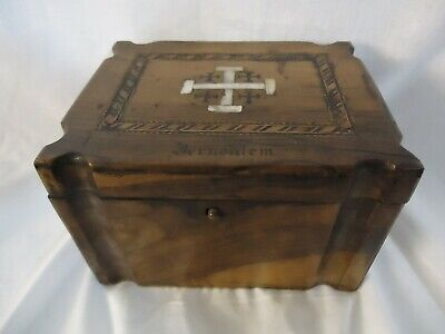 19th Century Jerusalem Olive Wooden Box with Inlaid Mother of Pearl (894S1)