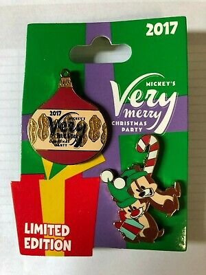 Chip and Dale Mickey's Very Merry Christmas Party 2 Pin Set LE 5300 Disney 2017