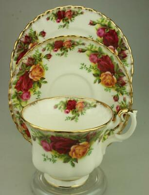 Royal Albert Old Country Roses Trio Tea Cup, Saucer and Side Plate GG11