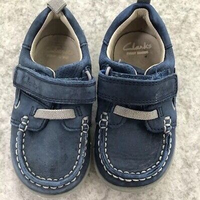 Boys Girls Toddler Clarks Mocasin Shoes Soft Leather Strap Fasten 5 G Good Cond