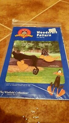 The Winfield Collection Looney Tunes Lazy Daffy Duck Woodcraft Pattern LT 109