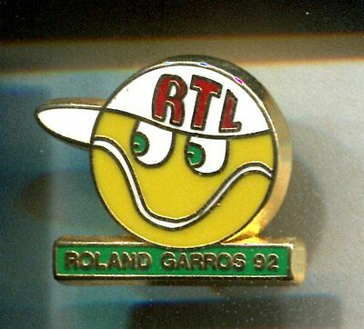 Rare Pins Pin's .. Tennis Roland Garros Radio Tv Rtl Balle 1992 Or Decat ~Cv