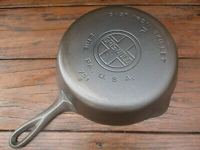 """""""Fully Restored!"""" Griswold #7 Large Block/E.p.u. Smooth Bottom Cast Iron Skillet"""
