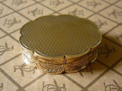 Solid 9ct Gold Ornate Oval Pill / Snuff Box Fully Hallmarked London 1967 23.3g