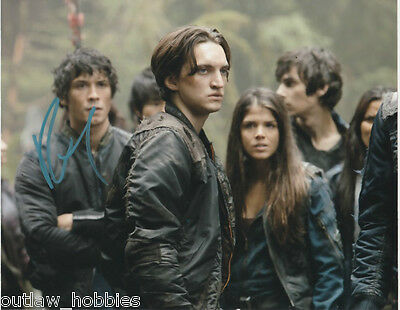 Richard Harmon The 100 Signed Autographed 8x10 Photo COA B
