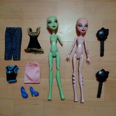 Monster High 2 Dolls Bundle Create A Monster Set Cat & Gorgon + Outfits & Shoes