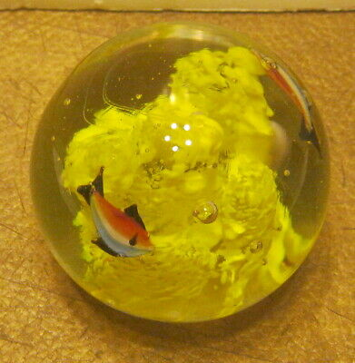 """Lovely Round Paperweight w Yellow """"Coral Reef"""" & 2 Fish Inside Hand Blown!!!!"""
