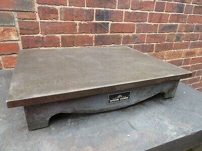 "Crown 24"" x 18"" Cast Iron Surface Plate In Good Condition"
