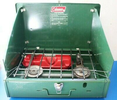 COLEMAN 425E USED Vintage Green Two Burner Camp Stove with