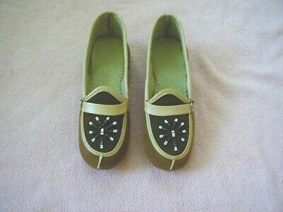 pair vintage childs slippers beaded moccasins 1950s unused childrens slippers 11