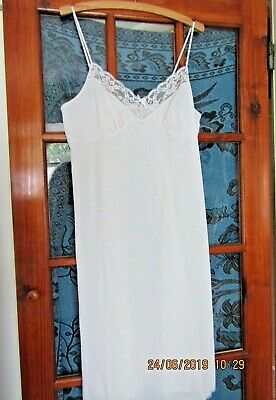 """Vintage Ladies Slip Petticoat Nightdress Negligee Lace  36"""" bust *pre-loved* VGC"""