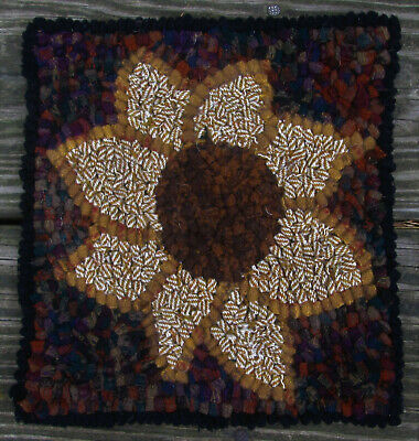 AUTUMN SUNFLOWER  Rug Hooking KIT WITH #8 CUT WOOL STRIPS