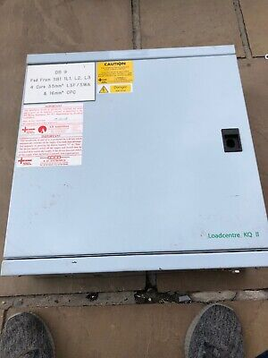 SCHNEIDER KQ LOADCENTRE 6 WAY 3 PHASE DISTRIBUTION BOARD  With MCBS