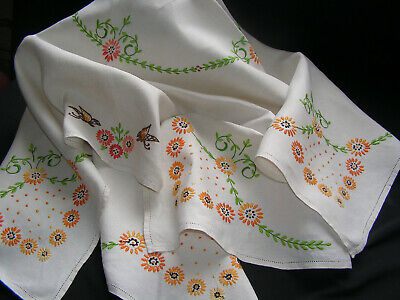 B'ful Vintage Richly Hand Embroidered Butterfly, Daisy Chain & Dot Tablecloth