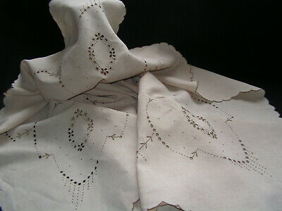B'ful Large Vintage Madeira Richly Hand Embroidered Cutwork Flower & Dot Cloth