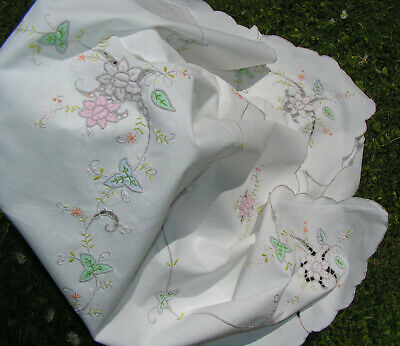 B'ful Vtg Madeira Decorative Hand Embroidered Cutwork Rose Cotton Tablcloth
