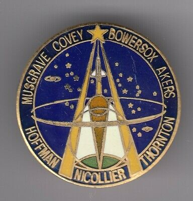 Rare Pins Pin's .. Espace Space Fusee Usa Nasa Shuttle Musgrave Covey Akers ~En