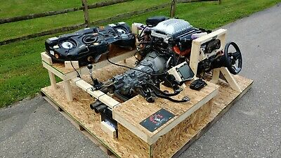 6 2 HELLCAT CRATE Engine Assembly with ALL accessory kits Center