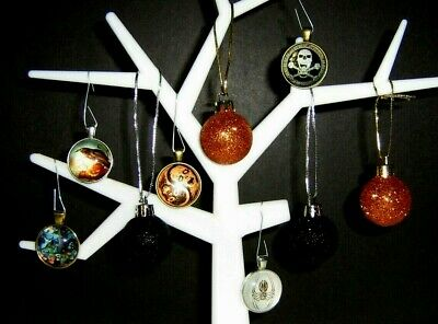 """Halloween Ornaments Tree Decorations 10"""" by 10"""" Zombies, Spider Metal/Plastic"""