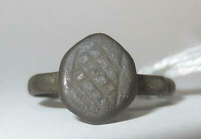 100 - 300 AD Ancient Roman Stamp Ring with Hatched Motif