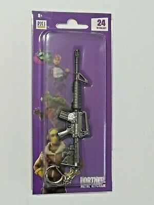 "Epic Games Fortnite Licensed Metal Keychain ""Assault Rifle (M4)"" Zuru"
