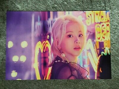 Twice Lights/Twicelights World Tour 2019 Trading Card - Chaeyoung #37
