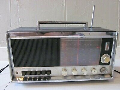 Sears FM/AM Transistor Radio Model 132 22850000