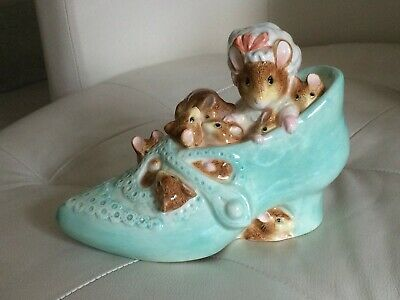 Border Fine Arts Beatrix Potter Money Box - Old Woman Who Lived In A Shoe - Mice