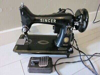 SINGER 99 99k Vintage Sewing Machine Portable Vtg