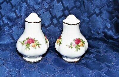 Royal Albert Old Country Roses Salt & Pepper Shakers!  Free Shipping