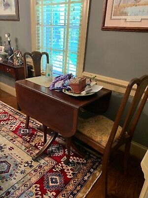 English Antique Mahogany Duncan Phyfe Drop Leaf Dining Room Table & Chairs